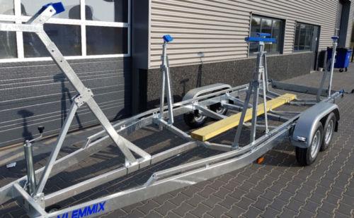 Gewichtete verstellbare Kimrest (Segelboot)